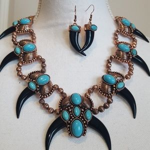 Western  bear claws necklace set